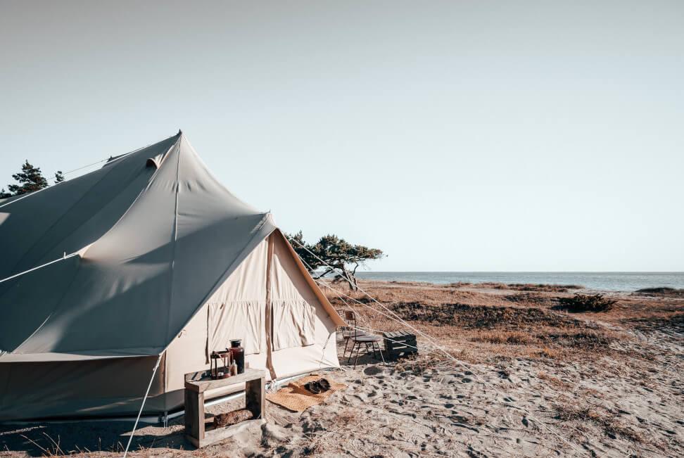 © Surflogiet Gotland - Die Zelte in der Surfelodge